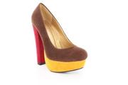 Оригинальные туфли на широком каблуке