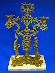 Продаётся бронзовая статуэтка-подсвечник авторской работы 1982 года.