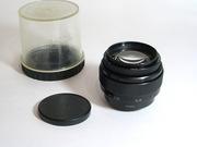 Продаётся объектив Юпитер 9 к фотоаппарату типа Зенит.Резьба 42 мм.