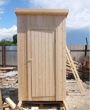Туалеты из дерева для дачи.