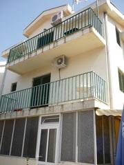 Небольшая квартира в Игало,  в 30 м от моря,  Бока Которская.