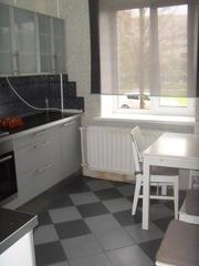 Продается трехкомнатная квартира в Пушкинском районе СПб,  улица Генерала Хазова,  дом 5