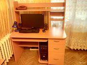 Компьютерный стол б/у продам в Санкт-Петербурге