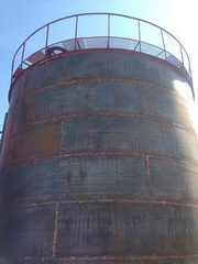 Выполняем работы по монтажу вертикальных стальных резервуаров