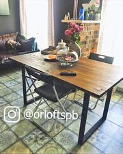 Стол обеденный из массива в стиле Лофт