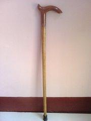 Трость деревянная,  б/у,  58 см